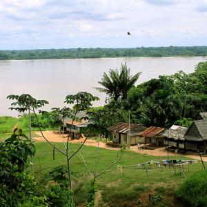 Sesenta y seis personas viven en Puerto Prado.
